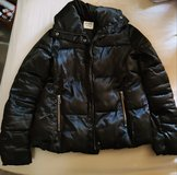 Size M Old Navy Black Puffer Jacket in Fort Leonard Wood, Missouri