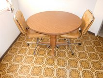 Kitchen Table with two chairs in Barstow, California