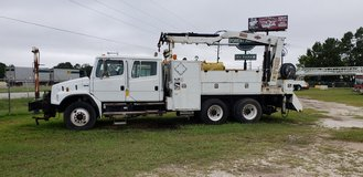 2004 freightlner FL80 in Kingwood, Texas