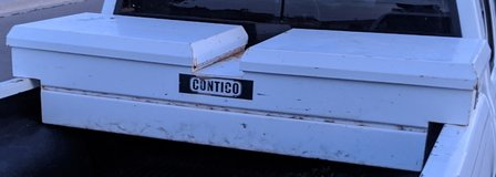 Crossover metal truck toolbox in Alamogordo, New Mexico