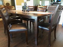 Dining Table w/8 chairs in Warner Robins, Georgia