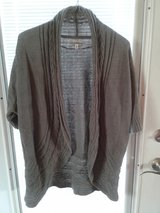 Croft & Barrow cardigan xl gray in Naperville, Illinois