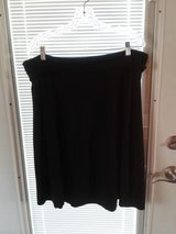Old navy black skirt xl in Chicago, Illinois