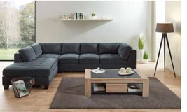 United Furniture - Hurricane Sectional as shown including delivery - ottoman also available in Wiesbaden, GE