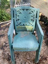 Free outdoor chairs in Batavia, Illinois