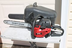 "Craftsman 18"" 42cc chainsaw w/case in Warner Robins, Georgia"