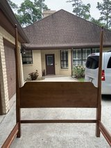 Queen solid wood poster bed in Conroe, Texas