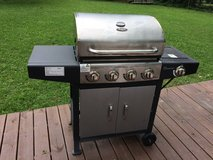 Grill stainless steel 3 burner in Cherry Point, North Carolina