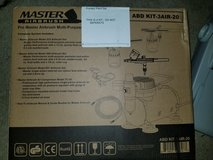 Master Airbrush Kit in Fort Campbell, Kentucky