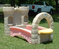 Rare -- Step 2 Dream Castle Bed 2 in one toddler and twin bed in Warner Robins, Georgia