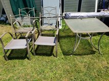 patio table ,four chairs ,umbrella &stand - $150 in Fort Campbell, Kentucky