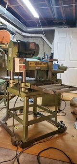1)Grizzly Heavy woodworking machines in Batavia, Illinois