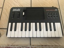 Akai  portable keyboard controller, guitar trainer in Ramstein, Germany