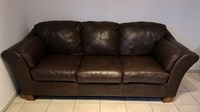 """Brown Leather Couch - Great Condition (88"""" long x 39"""" deep) in Ramstein, Germany"""