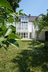 Modern large townhouse - 4BR, 2,5BA - 10 min to Clay in Wiesbaden, GE