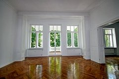 Historical apt with elevator and parking-downtown in Wiesbaden, GE