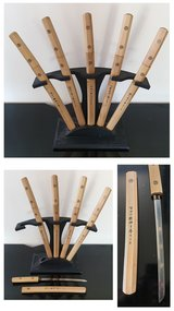 Home decoration sword set - 5 Fan set with stand in Lakenheath, UK