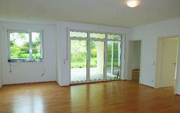Modern flat with garage 2BR,2BA- walk to downtown Wiesbaden in Wiesbaden, GE