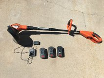 Black and Decker Weed Wacker charger and 3 x batteries in Alamogordo, New Mexico
