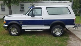 96 Bronco 4x4 in Camp Lejeune, North Carolina