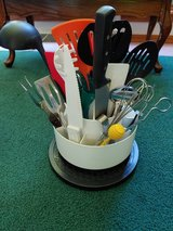 White Pampered Chef Turn-about + Variety Utinsils Carousel Tool Caddy Loaded in Fort Leonard Wood, Missouri