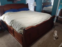 5 pice bedroom set in Cherry Point, North Carolina