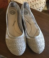 Women's Size 10 Shoes in Shorewood, Illinois