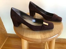 Anne Klein Dark Brown Suede Shoes Size 6 in Naperville, Illinois
