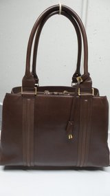 LARGE GRAY BROWN SMOOTH LEATHER PURSE/HANDBAG BY ELLEN TRACY in Yorkville, Illinois