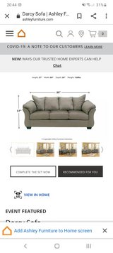 ashley furniture darcy couch in Wiesbaden, GE