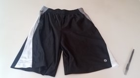Boy's M 10-12 Xersion Black Shorts in Naperville, Illinois
