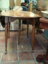 Kitchen table wood with 2 fold down sides in Alamogordo, New Mexico