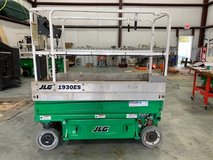 JLG Scissor Lift 19 Ft. in Bellaire, Texas