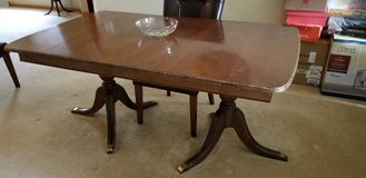 Vintage dining table in Batavia, Illinois