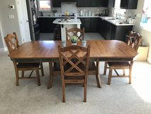 Kitchen table and chairs in Fairfield, California
