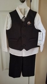 BNWT: Boys GE 4-Piece Dressy Set, Size 24M in Clarksville, Tennessee