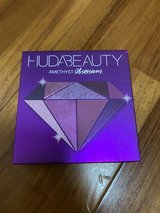 Makeup Huda Beauty Amethyst Obsession in Okinawa, Japan