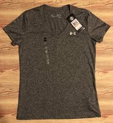 NWT Under Armour Heathered Grey Women's Tee, Sz S in Fort Campbell, Kentucky