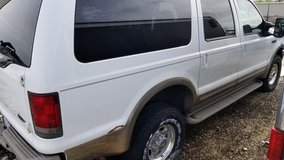 2000 Ford Excursion in Batavia, Illinois