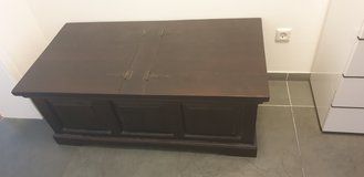 colonial style chest / couch table solid wood 114x60cm in Stuttgart, GE