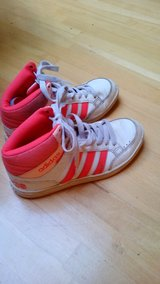 Adidas Shoes for Girls in Ramstein, Germany