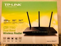 TP-Link AC1750 Dual Band Wireless Router in Okinawa, Japan