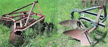 6' DISK  and  2 BOTTOM PLOW  for sale in Fort Leonard Wood, Missouri