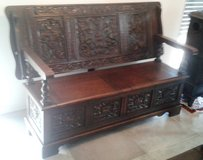 Rare antique English monks bench table trunk with crest - 2 seats - dated 1900 in Spangdahlem, Germany