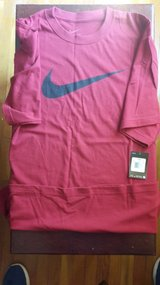 NEW - Nike T-shirt Size XXL in Fort Leonard Wood, Missouri