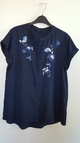 Vera Wang Womens dark blue blouse in Dyess AFB, Texas