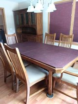 Oak Dining Set w/Cabinet & Hutch in Pasadena, Texas