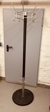 Heavy Duty Coat Rack in Wiesbaden, GE