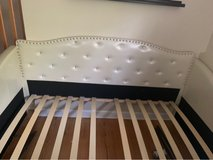 girls/tween day bed in Plainfield, Illinois