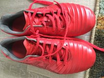 Soccer shoes sz 6.5 in Okinawa, Japan
